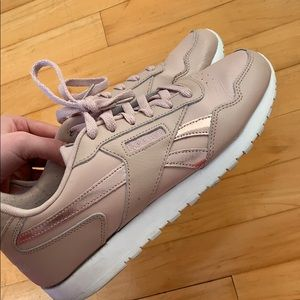 Light pink Reeboks